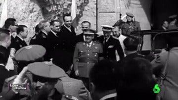 Francisco Franco durante una inauguración