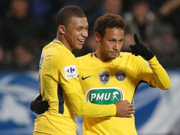Mbappé y Neymar durante un encuentro