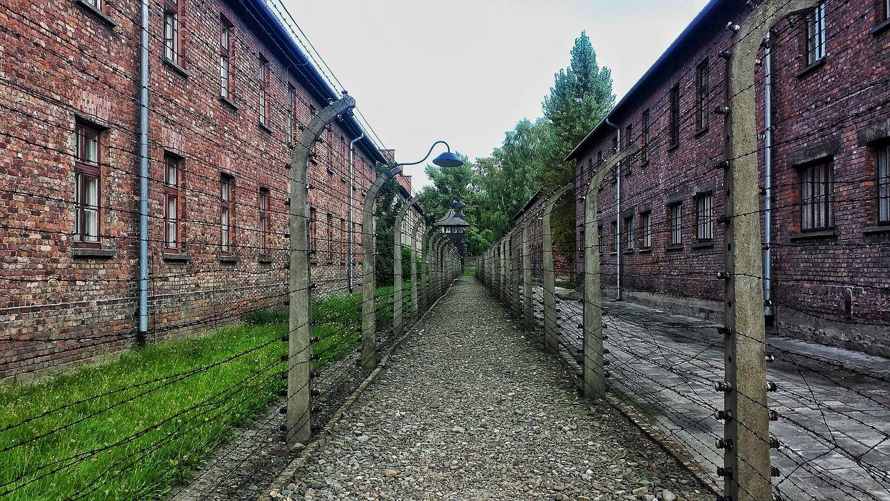Foto de archivo de parte del campo de concentración de Auschwitz