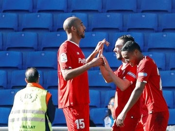 Nzonzi, Sarabia y Muriel celebran un gol