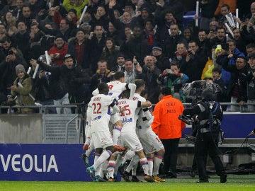 El Lyon gana al PSG