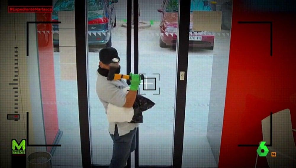 El empresario que sacó 20 euros de botín al robar un banco
