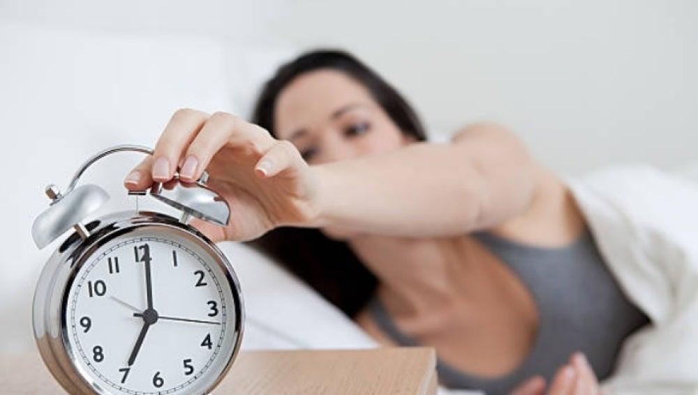 Esos 5 minutos de sueño más por las mañanas pueden estar afectando a tu salud