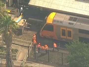 Un tren choca contra el tope de la vía en Australia