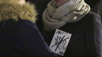 Una mujer protesta contra el acoso sexual