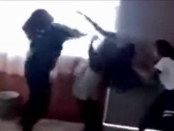 Brutal pelea en un colegio de México