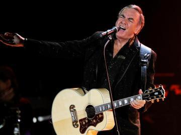 El cantante estadounidense Neil Diamond durante un concierto en Zúrich