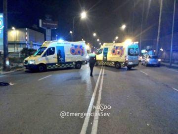 Dos ambulancias del 061 en el lugar del accidente