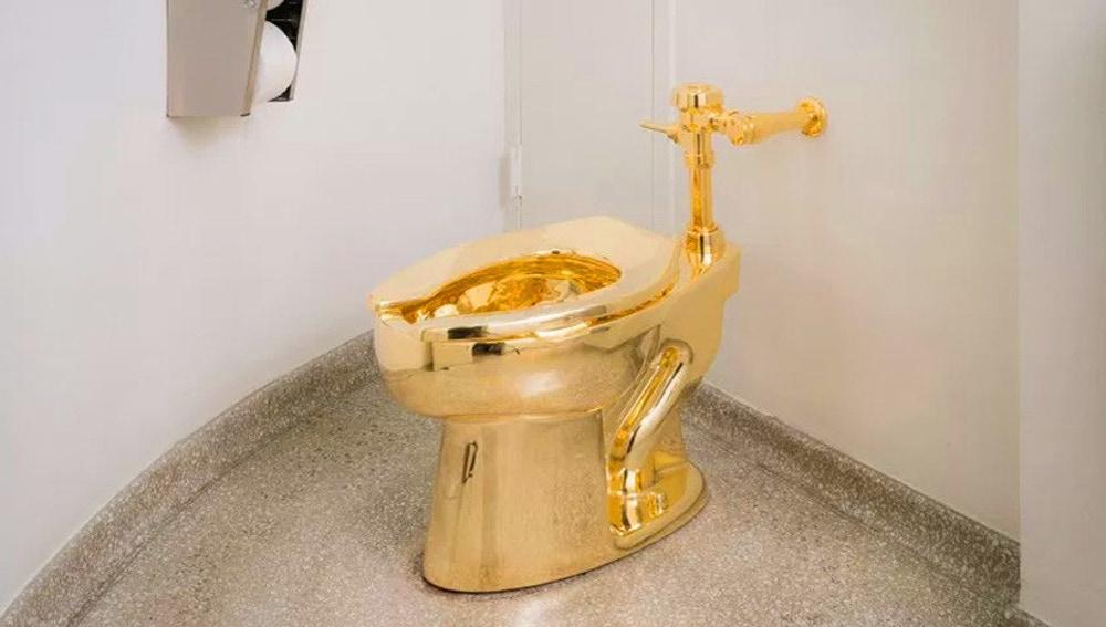 El inodoro de oro ofrecido a Donald Trump