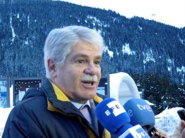 El ministro español de Exteriores, Alfonso Dastis, en declaraciones en la ciudad suiza de Davos