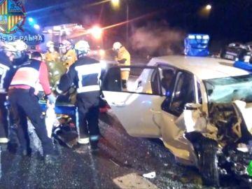 Muere el copiloto de un coche que circulaba en dirección contraria en Mallorca