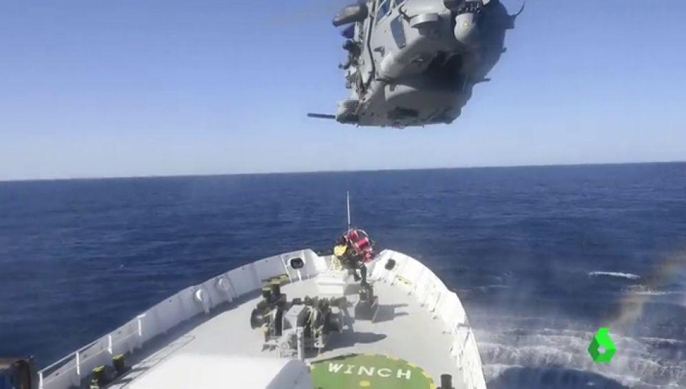 800 rescatados, entre ellos 7 niños, por la Guardia Costera Italiana en el Mediterráneo