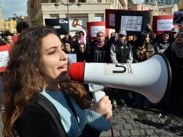 Una de las manifestantes durante la concentración
