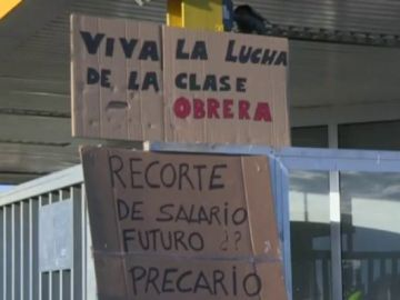 """Los trabajadores de Opel España se manifiestan por un convenio colectivo """"más justo"""""""