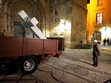 Retirada de la cruz franquista de Callosa de Segura