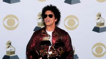 Bruno Mars en los Premios Grammy