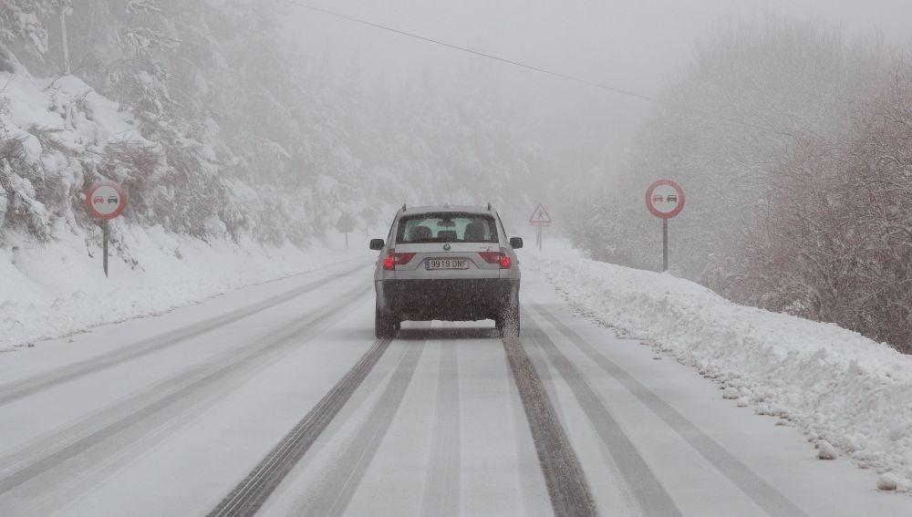 Una carreteras intransitable en Lugo