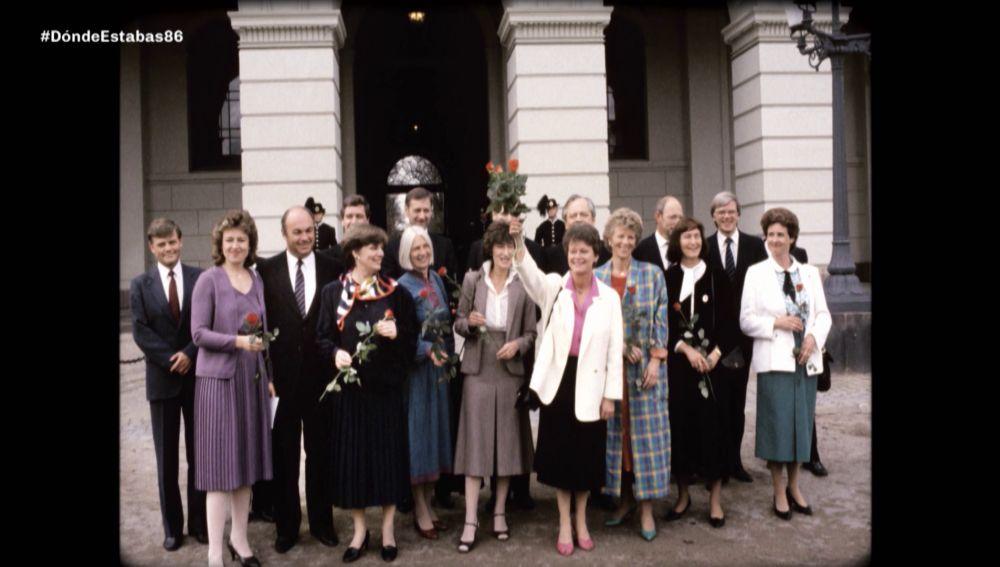 El Gobierno de la recién nombrada primera ministra de Noruega en 1986