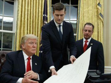 Porter se encarga de gestionar la agenda diaria de Donald Trump