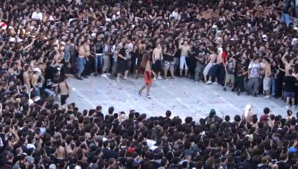 Pogo en Argentina, durante un concierto de Metallica