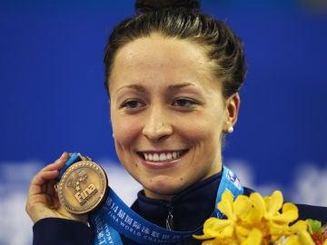 Ariana Kukors, con su medalla de bronce conseguida en los Mundiales de 2014