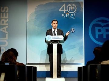 Maillo en rueda de prensa en la sede de Génova