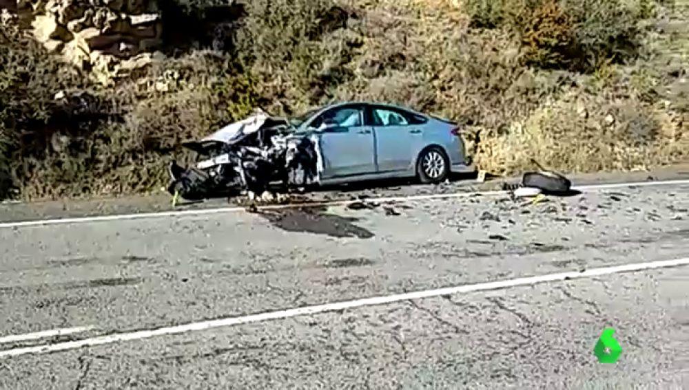 Herida grave al caer su coche por un terraplén tras un choque frontal en Navarra