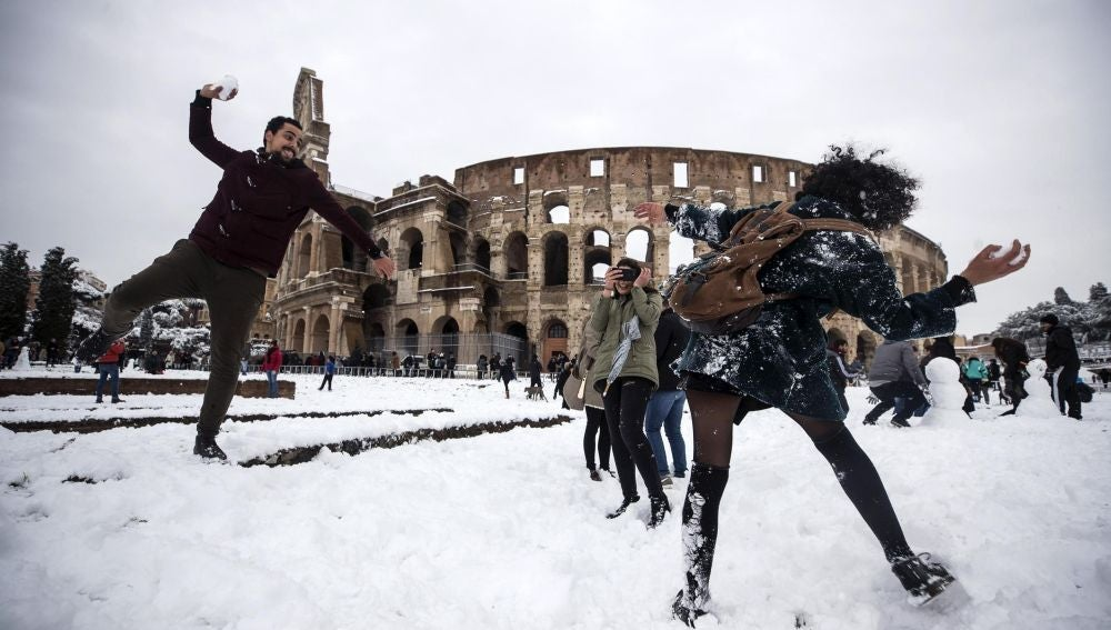 Coliseo Romano nevado