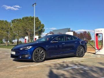 tesla-models-s-supercharger-espana-2017-02.jpg
