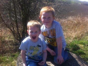Leo y Oliver, dos hermanos diagnosticados con cáncer