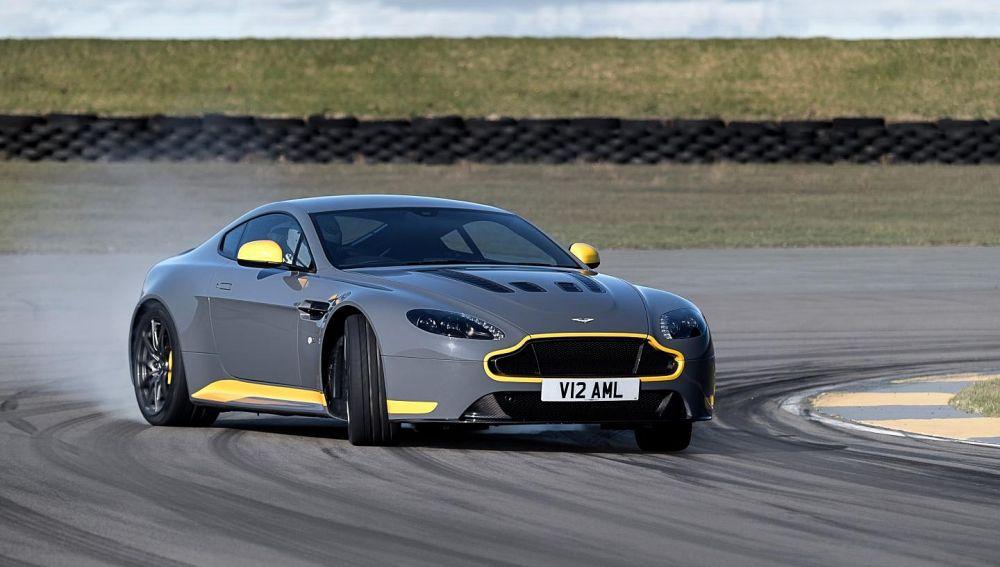 aston-martin-v12-vantage-s-manual-7-velocidades-2016-04.jpg