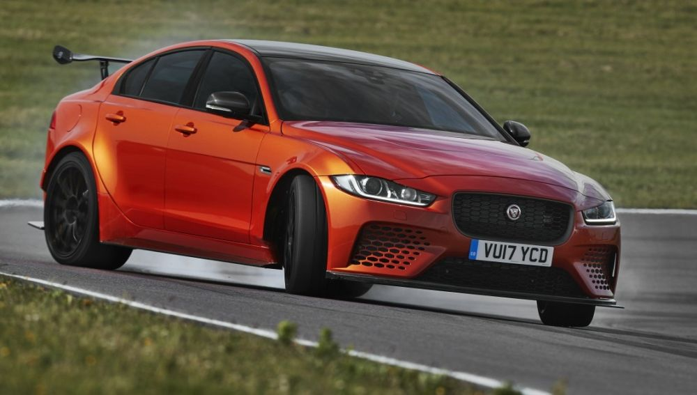 Jaguar_XE_SV_Project8.jpg
