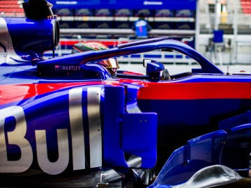 Hartley, durante los test en Barcelona