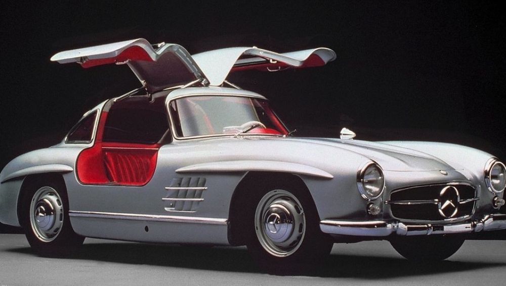 Mercedes-Benz-300_SL_Gullwing-1954-1024-06-e1480066774201.jpg