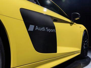 1034086_Audi-R8_02.jpg