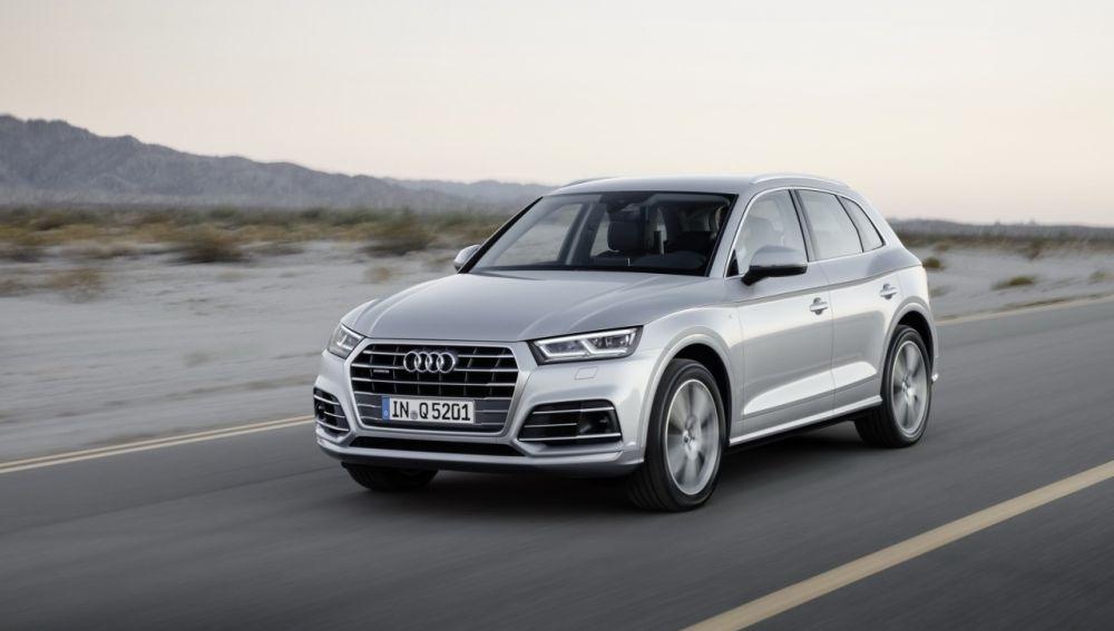 Audi-Q5_rec.jpg