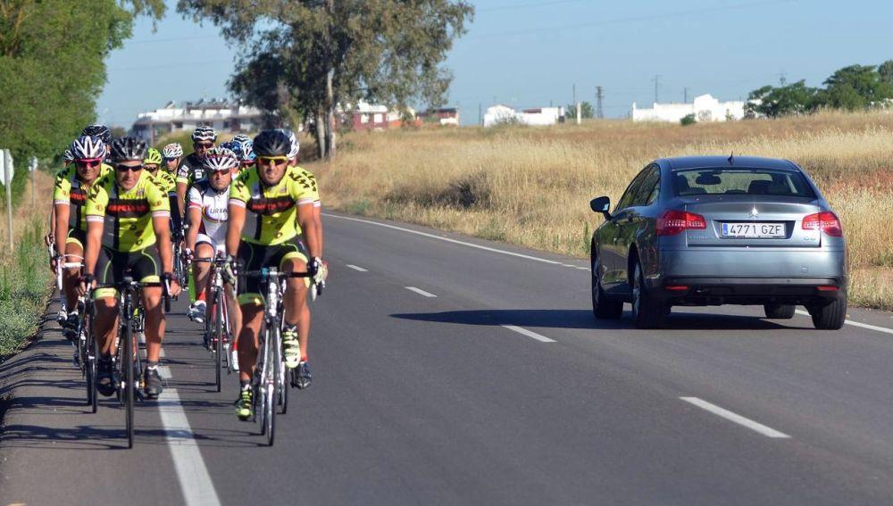 ciclista-carretera-dgt-0517-01.jpg