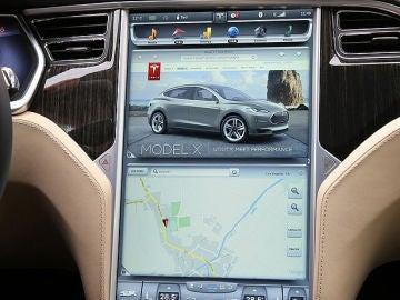 Tesla-Model_S-2013-pantalla1.jpg