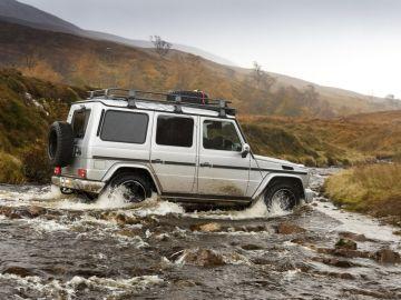 Mercedes-Benz_traves%C3%ADa-offroad_Reino-Unido_3.jpg