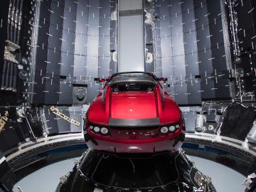 tesla-roadster-spacex-0118-01.jpg