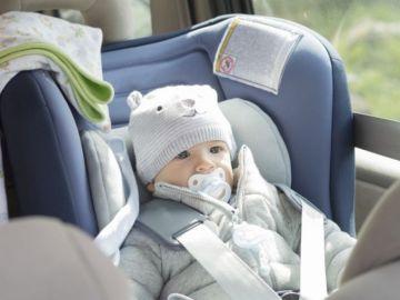 imagen-de-archivo-de-un-bebe-en-el-coche-5a747964a0fb3.jpg
