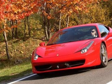 Ferrari-458_Italia-2011-1280-19.jpg