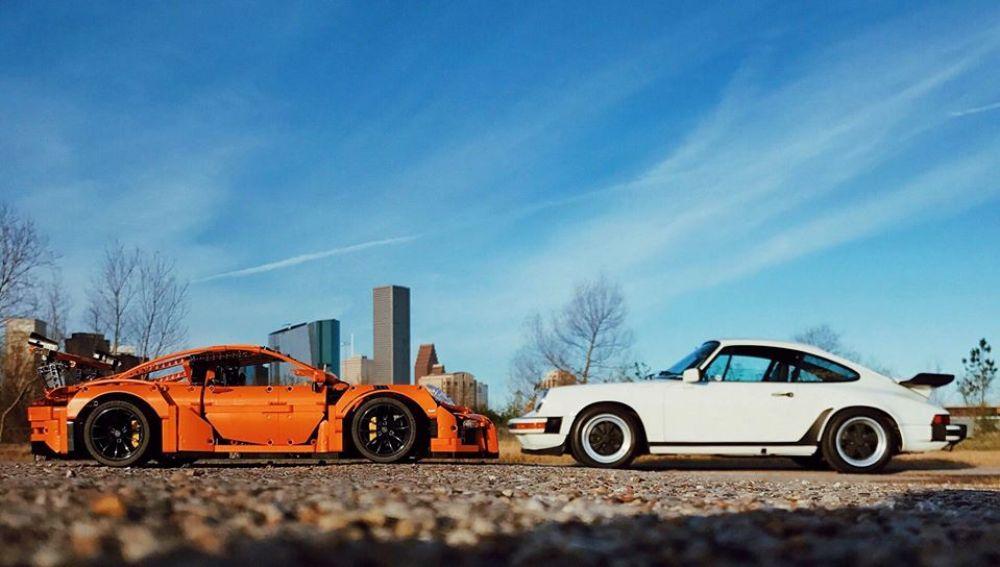 Porsche-911-GT3-RS-Lego-vs-911-3.0-SC-perspectiva.jpg