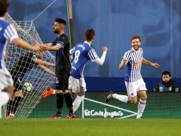 Illarramendi celebra su gol contra el Alavés