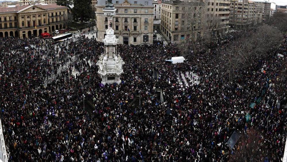 Manifestación en Pamplona durante el 8M