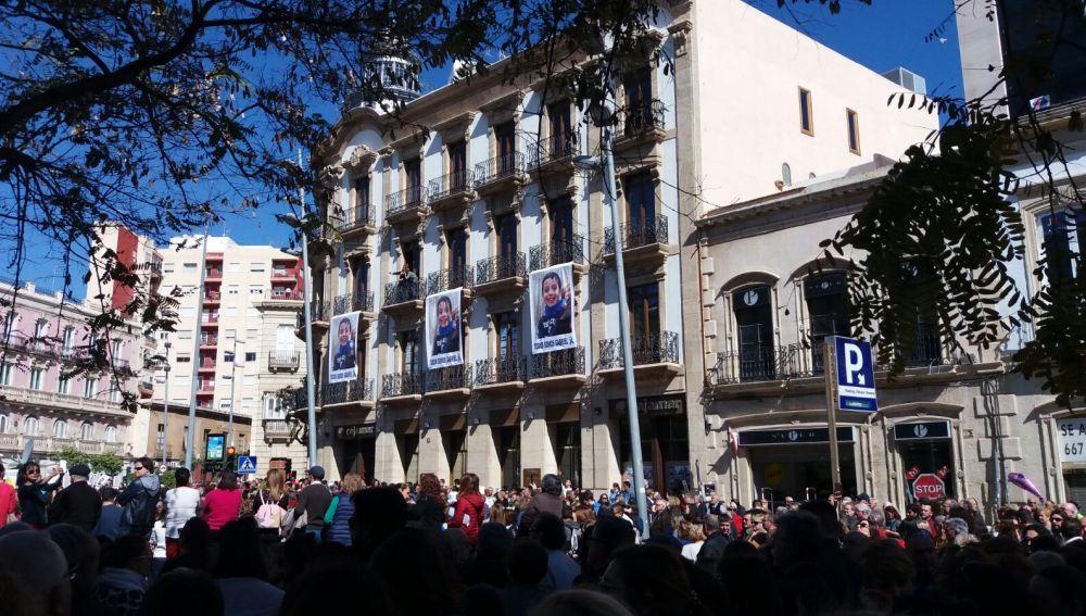 Concentración en apoyo a Gabriel Cruz en Almería