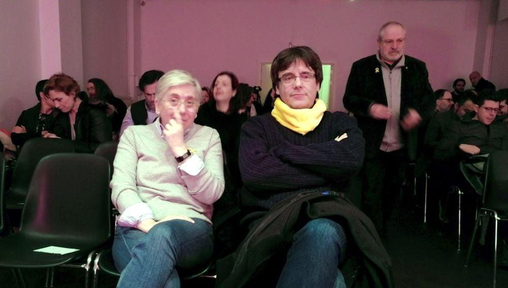 Ponsatí junto a Puigdemont en un acto en Bruselas (Archivo)