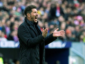 Simeone, durante un partido