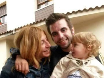Paz Fernández con su hijo