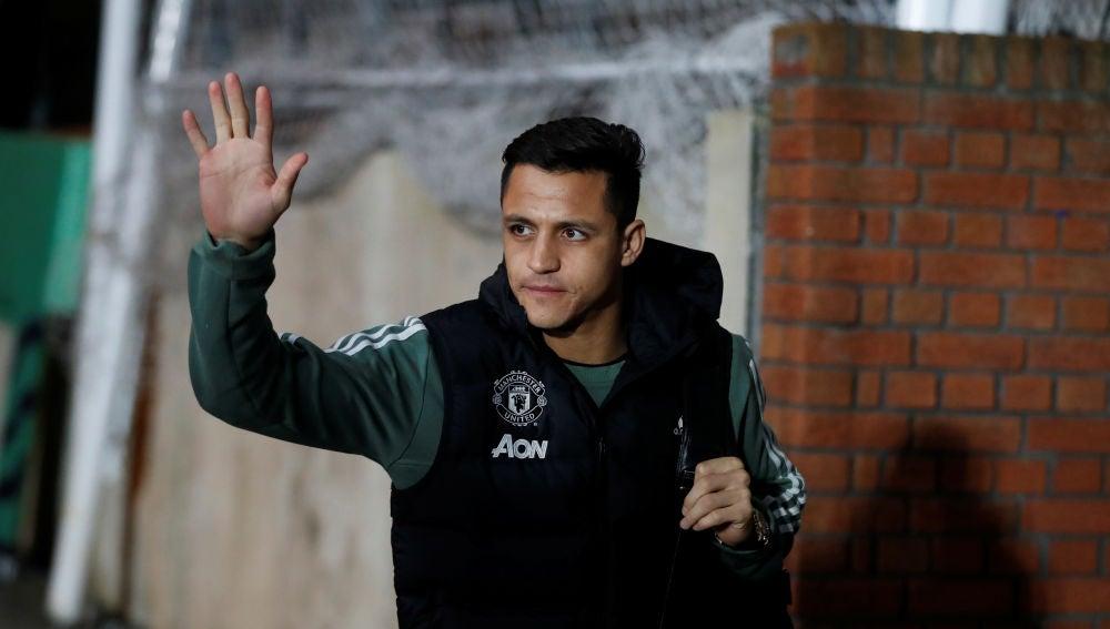 Alexis, antes de un partido con el Manchester United